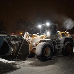 Unser Radlader beim Schneeberäumen in Freiberg (Januar 2017)